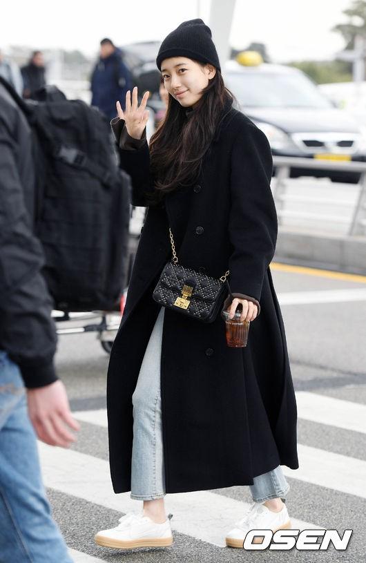Suzy để mặt mộc 100% cũng xinh đẹp hết phần người ta - Ảnh 4.