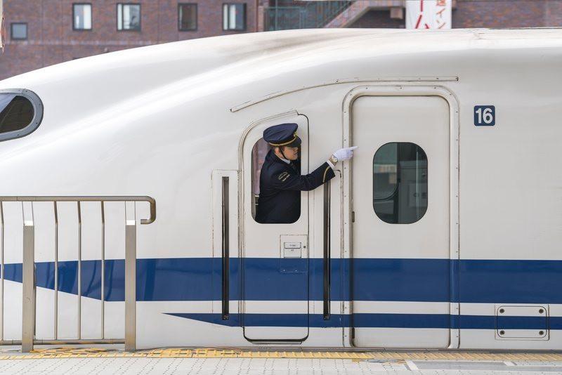 Nhân viên đường sắt Nhật Bản luôn dùng tay chỉ vào mọi vật và đây là lý do đằng sau hành động thú vị ấy - Ảnh 4.