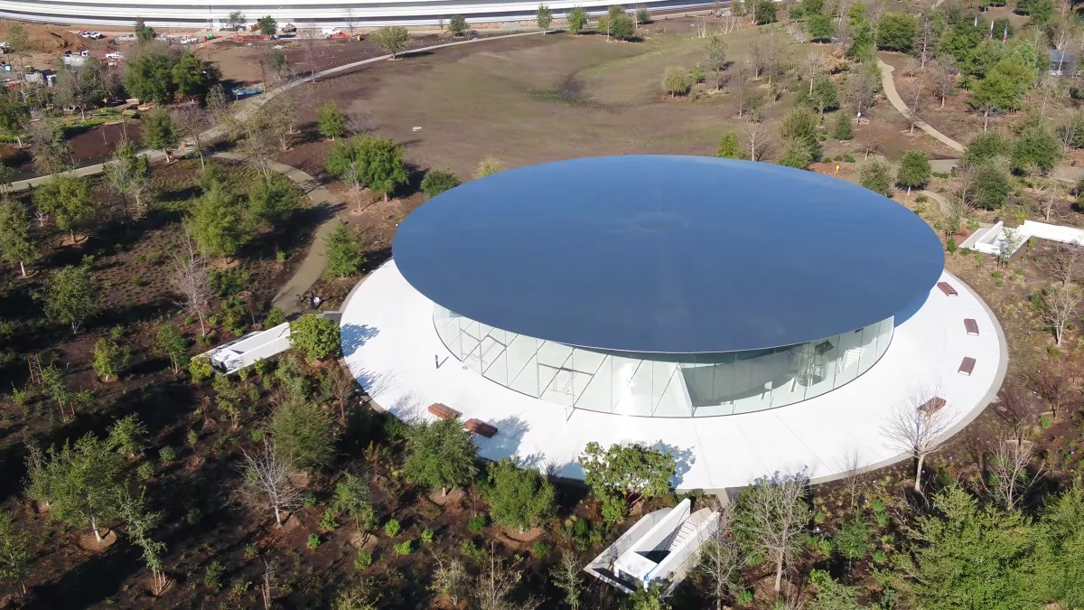 Apple vừa hoàn thành xong trụ sở mới cực hoành tráng, trông như đĩa bay ngoài hành tinh - Ảnh 3.