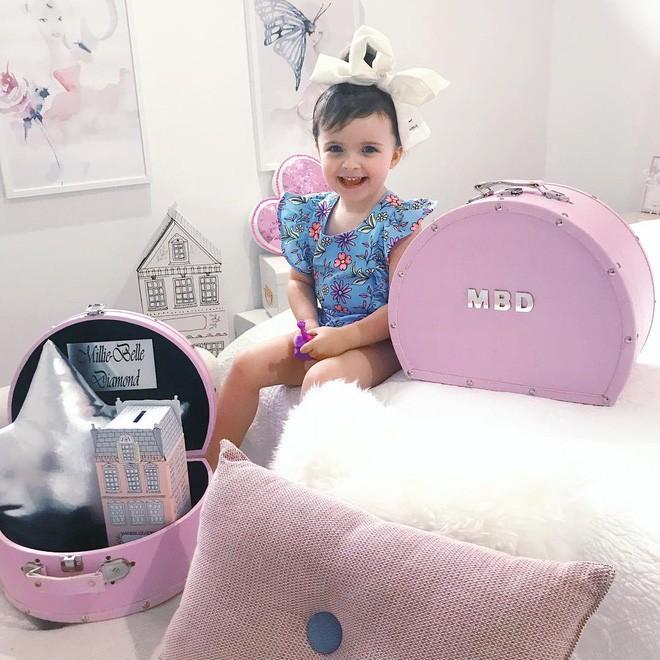 Cuộc sống xa xỉ của bé gái đẹp tựa thiên thần với tủ đồ hiệu mà mọi người lớn phải mơ ước - Ảnh 31.