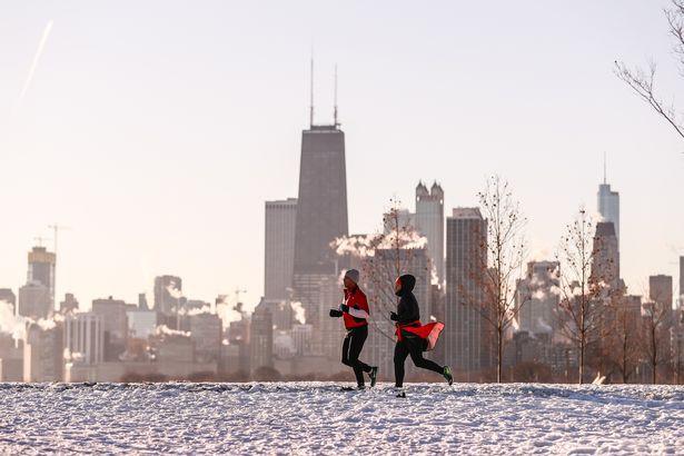 Câu chuyện 2 bán cầu: sông Chicago, Mỹ đóng băng dưới cái lạnh -50 độ C, Sydney nắng nóng kỷ lục 47 độ C, cao nhất 79 năm qua - Ảnh 6.
