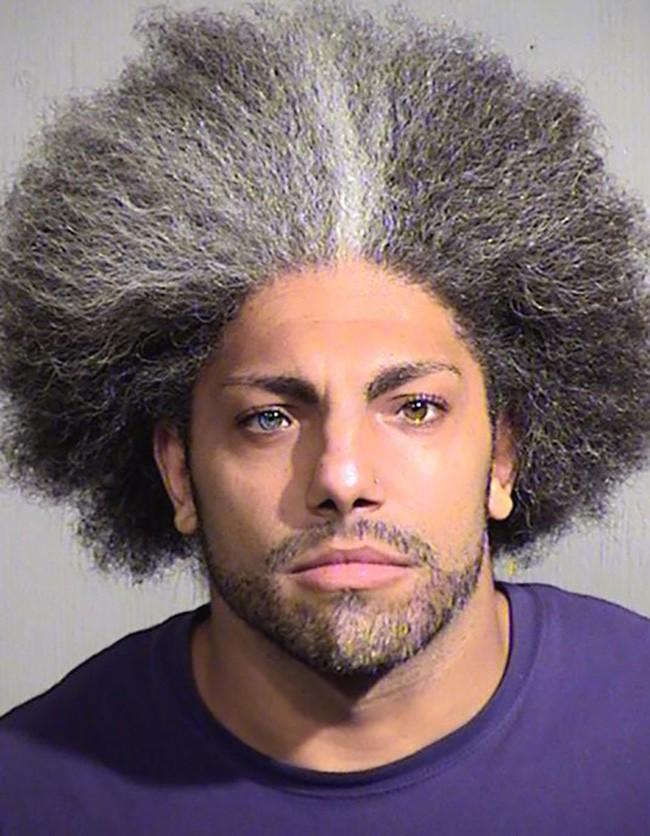 15 tên tội phạm khiến cảnh sát cười chết ngất vì kiểu tóc xấu hết chỗ nói - Ảnh 11.