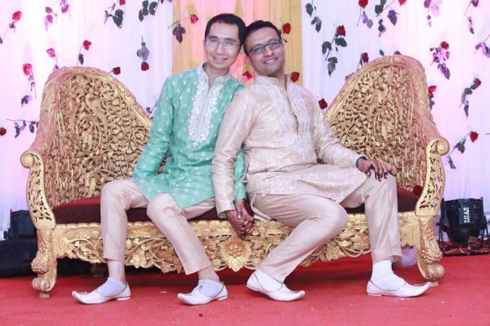 Đám cưới của chàng trai gốc Việt với bạn trai theo phong cách truyền thống Hindu gây nức lòng cộng đồng LGBT - Ảnh 3.