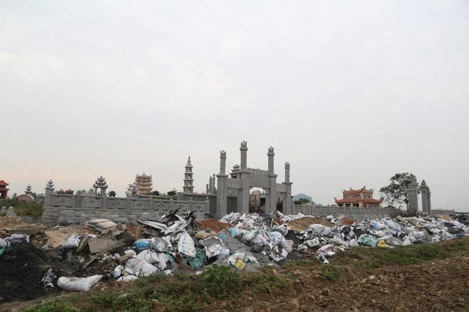 Ám ảnh bãi phế liệu kín cả cánh đồng tại nơi xảy ra vụ nổ ở Bắc Ninh - Ảnh 7.