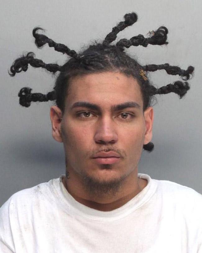 15 tên tội phạm khiến cảnh sát cười chết ngất vì kiểu tóc xấu hết chỗ nói - Ảnh 15.