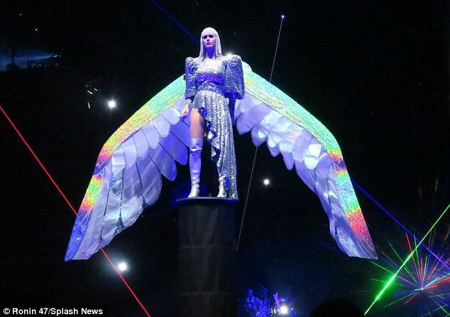 Những thiệt thòi mà fan Việt có thể phải chịu khi Katy Perry mang tour diễn hoành tráng đến Việt Nam - Ảnh 10.