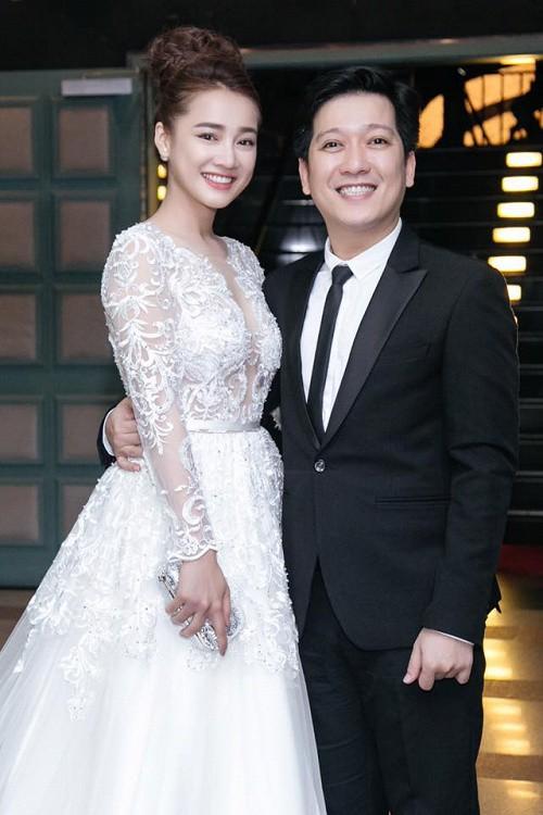 Không chỉ có Trường Giang và Nhã Phương, showbiz Việt cũng từng chứng kiến nhiều màn cầu hôn công khai cực lãng mạn! - Ảnh 4.