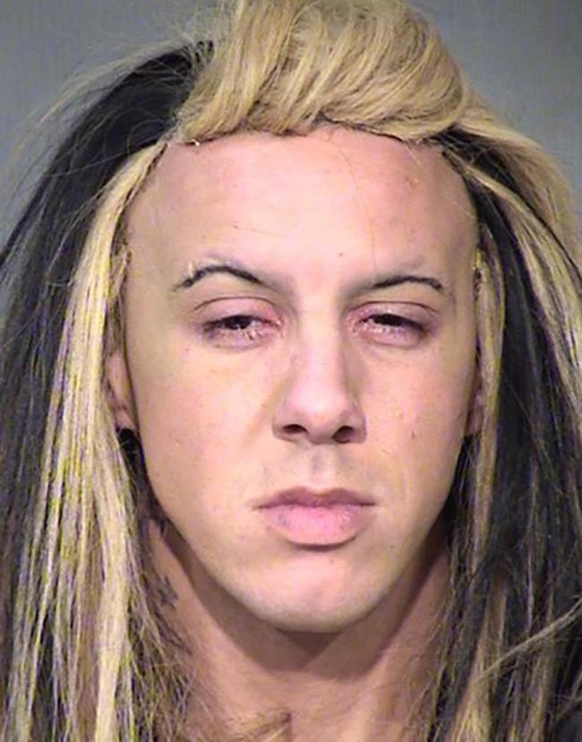 15 tên tội phạm khiến cảnh sát cười chết ngất vì kiểu tóc xấu hết chỗ nói - Ảnh 19.