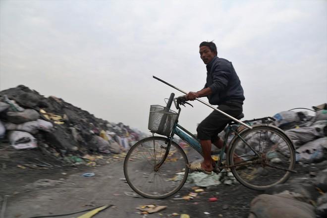 Ám ảnh bãi phế liệu kín cả cánh đồng tại nơi xảy ra vụ nổ ở Bắc Ninh - Ảnh 10.