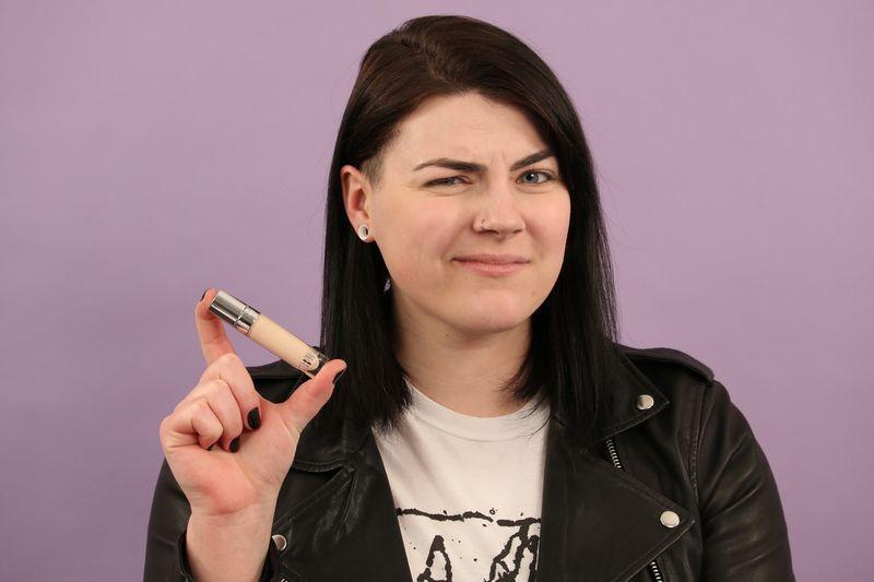 Hào hứng dùng thử kem che khuyết điểm mới toanh của Kylie Jenner, kết quả đã khiến 2 cô gái này thất vọng - Ảnh 12.