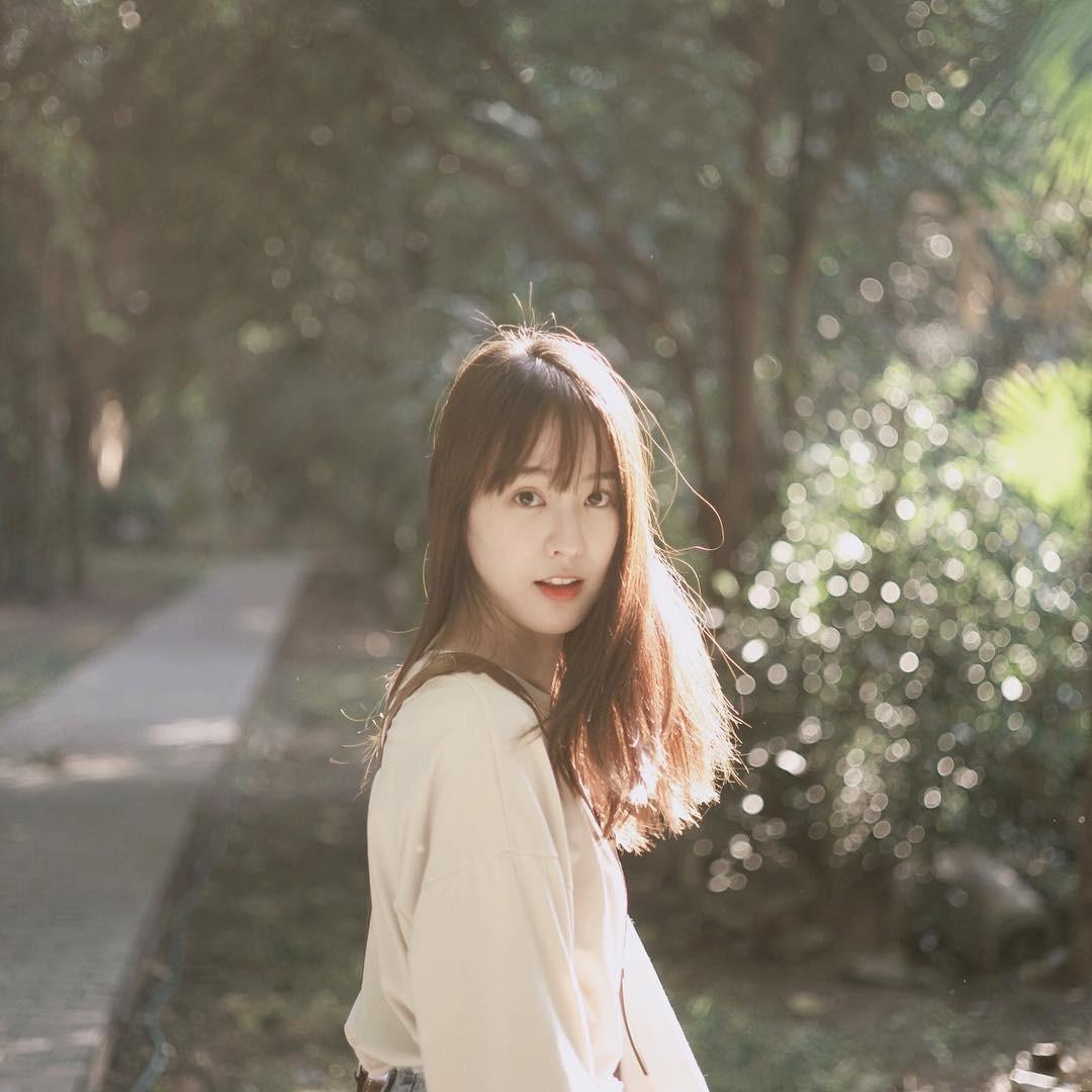 Hot girl châu Á đổi tóc dịp năm mới: người cắt mái xinh ngất, người xén cả chục centimet tóc, người giữ khư khư tóc dài - Ảnh 3.