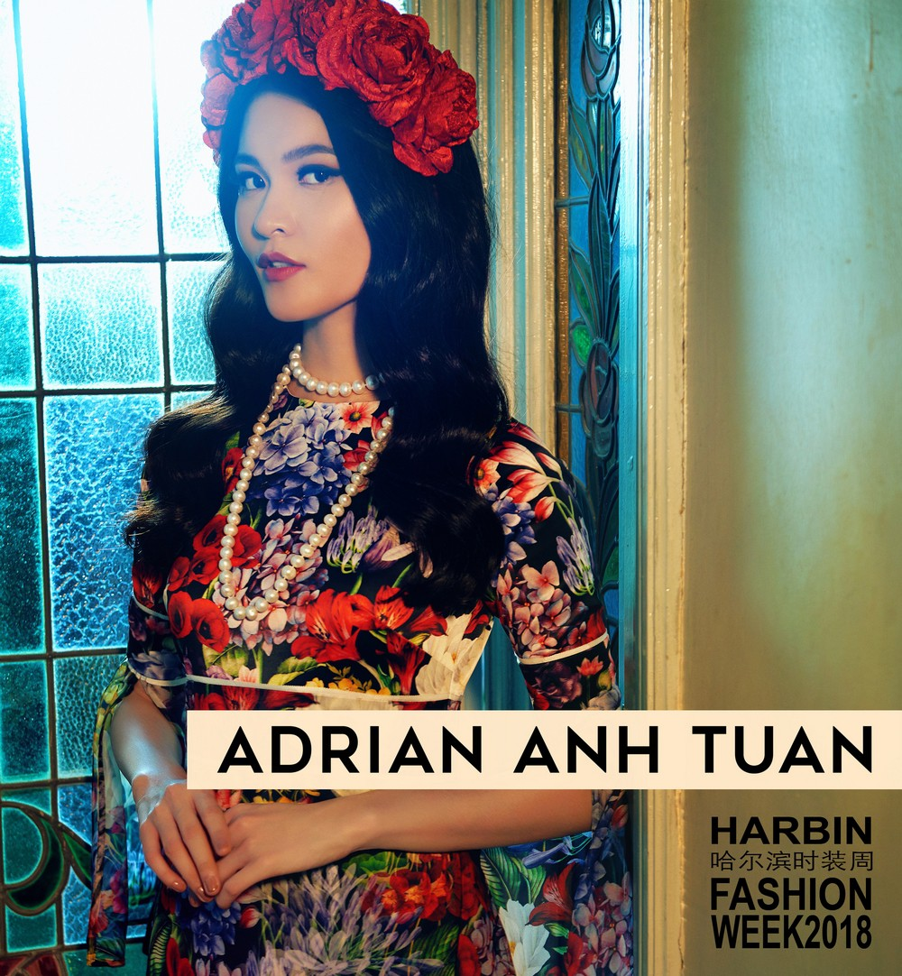 NTK Adrian Anh Tuấn mang BST Khu Vườn Bí Mật sang Tuần lễ thời trang quốc tế Harbin - Ảnh 1.
