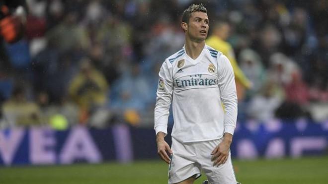 Khủng hoảng ở Real Madrid: Zidane sắp bị sa thải, Ronaldo bị chửi khủng khiếp - Ảnh 1.