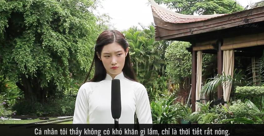 Mặc tiết trời nóng bức, nữ thần thế hệ mới Chae Yeon tự tin diện tà áo dài trắng tinh khôi - Ảnh 2.
