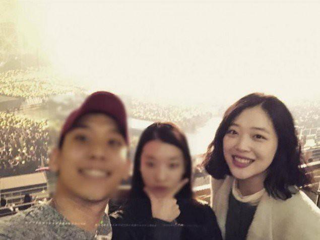 Tài tử Jung Woo Sung, Sulli, Jaejoong cùng loạt sao Hàn đình đám gây sốt khi rủ nhau đi xem concert Big Bang - Ảnh 3.
