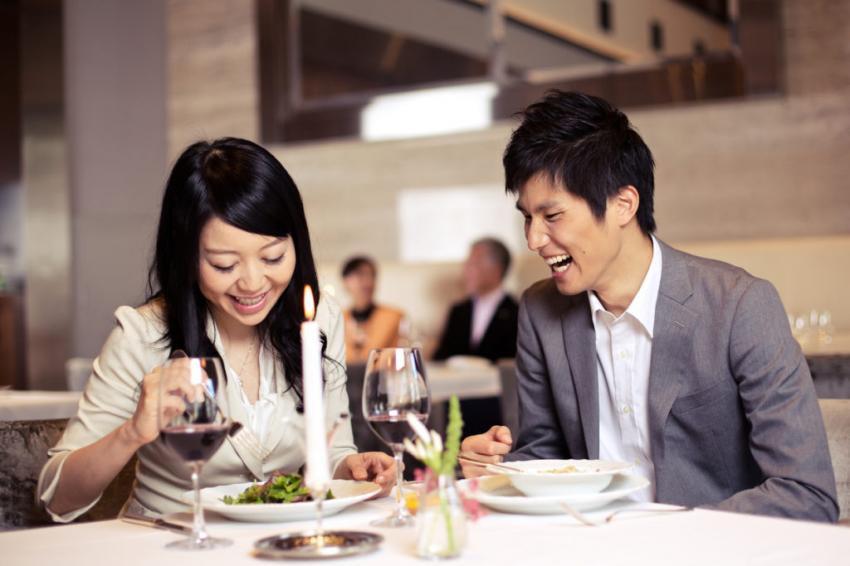 Nghịch lý ở Nhật Bản: Phụ nữ không mặn mà với hôn nhân, nam giới tha thiết có bạn gái - Ảnh 3.