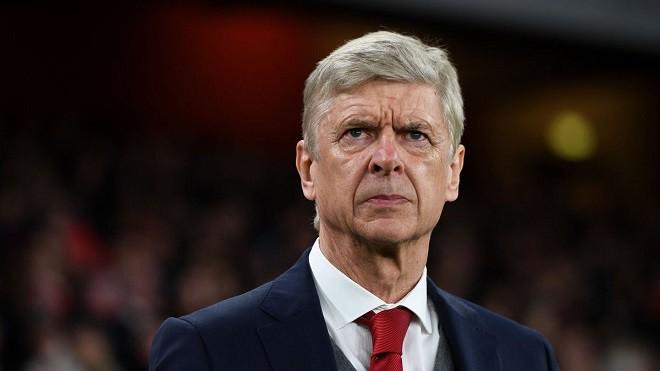 Arsene Wenger bị cấm chỉ đạo 3 trận vì chỉ trích trọng tài - Ảnh 1.