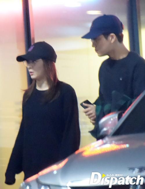 2 cô bạn gái của Kai (EXO) giống nhau khó tin: Nhan sắc, thần thái, thời điểm dính phốt thái độ, hẹn hò đều trùng hợp - Ảnh 29.