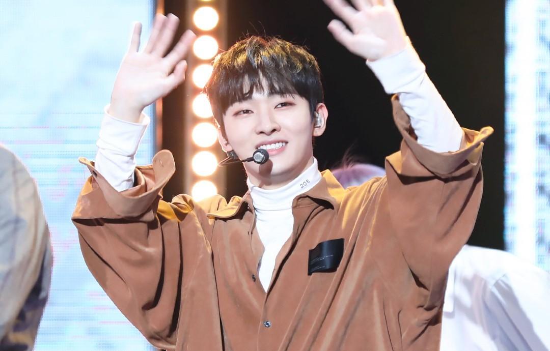 Rộ tin hai thành viên ra mắt solo sau khi Wanna One tan rã, một người bị mỉa đừng nhảy, hát ballad thôi - Ảnh 2.