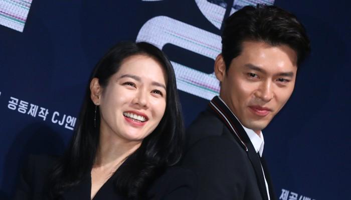 Nhìn Son Ye Jin và Hyun Bin tình tứ, có thái độ đáng ngờ như thế này bảo sao ai cũng thi nhau đẩy thuyền - Ảnh 7.