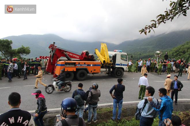 Khởi tố tài xế xe khách chở hơn 20 sinh viên lao xuống đèo Hải Vân - Ảnh 3.