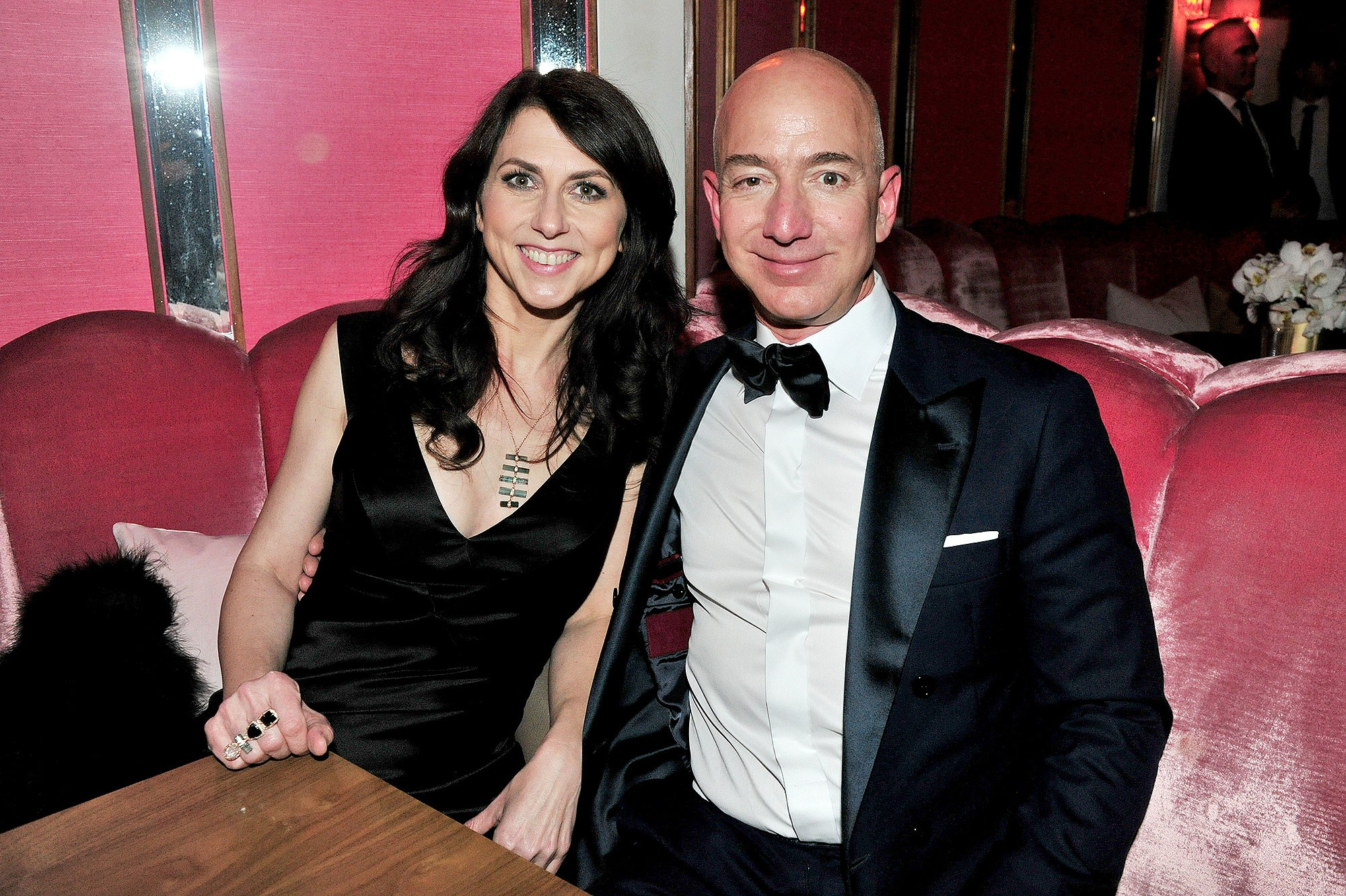 Lương duyên 25 năm của ông chủ Amazon và vợ: Chưa kịp yêu đã cưới từ thuở cơ hàn, tan vỡ trên đỉnh cao giàu sang phú quý - Ảnh 19.