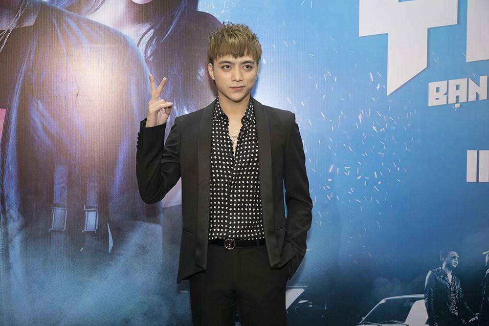 """""""Trai hư"""" Soobin Hoàng Sơn hóa quý ông lịch lãm tại họp báo """"Yolo the Movie"""" - Ảnh 2."""
