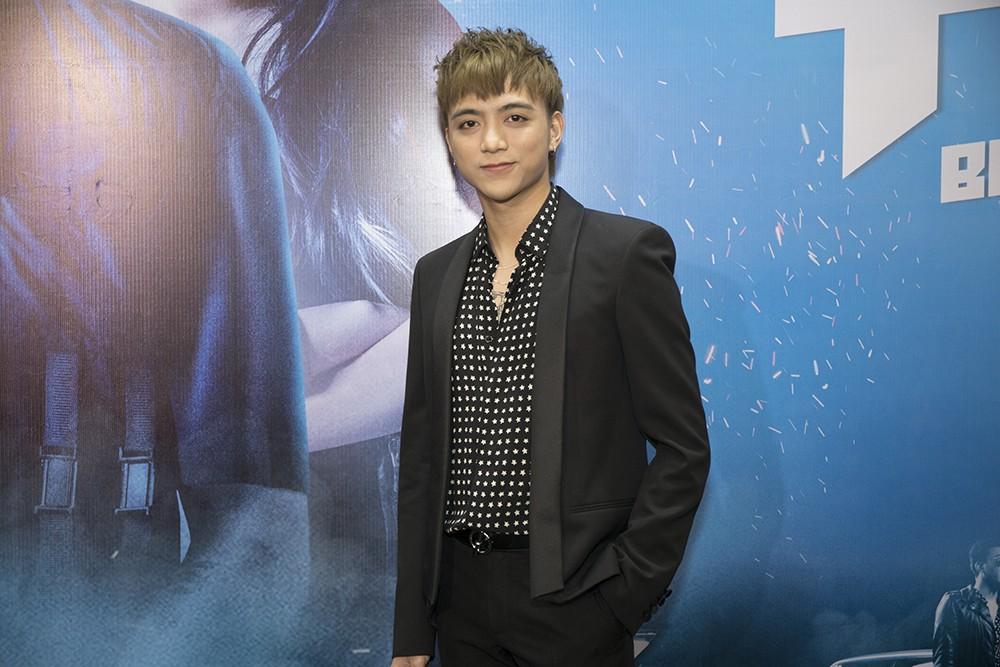 """""""Trai hư"""" Soobin Hoàng Sơn hóa quý ông lịch lãm tại họp báo """"Yolo the Movie"""" - Ảnh 1."""