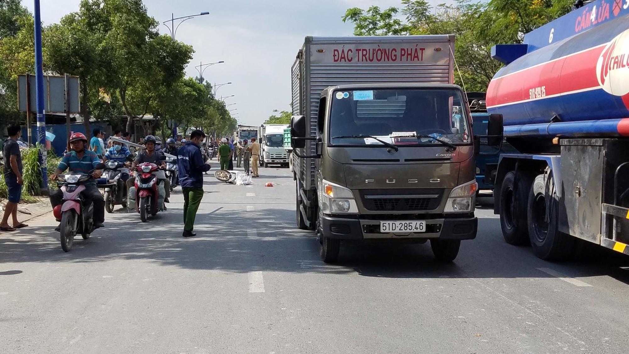 Cô gái 20 tuổi chết thảm sau va chạm trên đường phố ở Sài Gòn - Ảnh 2.
