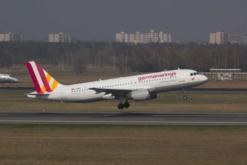 Đức: Nhân viên an ninh sân bay đình công, hơn 600 chuyến bay bị hủy bỏ - Ảnh 1.