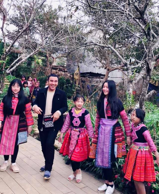 Bà xã Quyền Linh khoe ảnh cả gia đình ghé Mộc Châu, ai cũng chú ý đến 2 cô con gái xinh như hoa hậu - Ảnh 8.