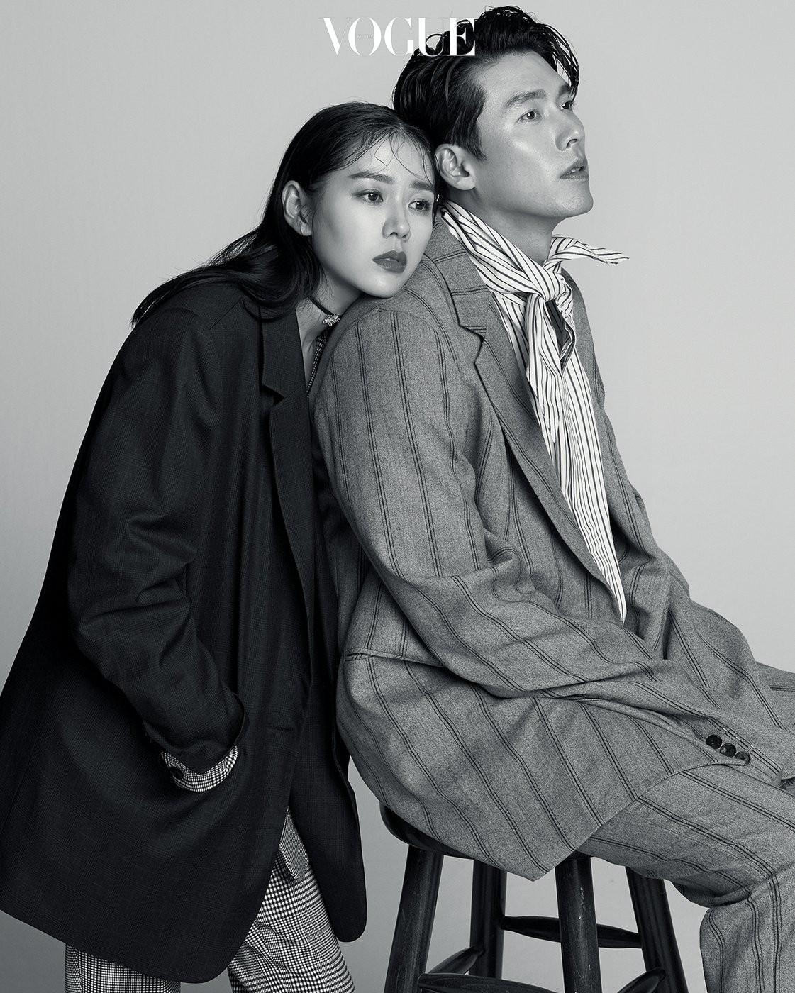 Nhìn Son Ye Jin và Hyun Bin tình tứ, có thái độ đáng ngờ như thế này bảo sao ai cũng thi nhau đẩy thuyền - Ảnh 2.