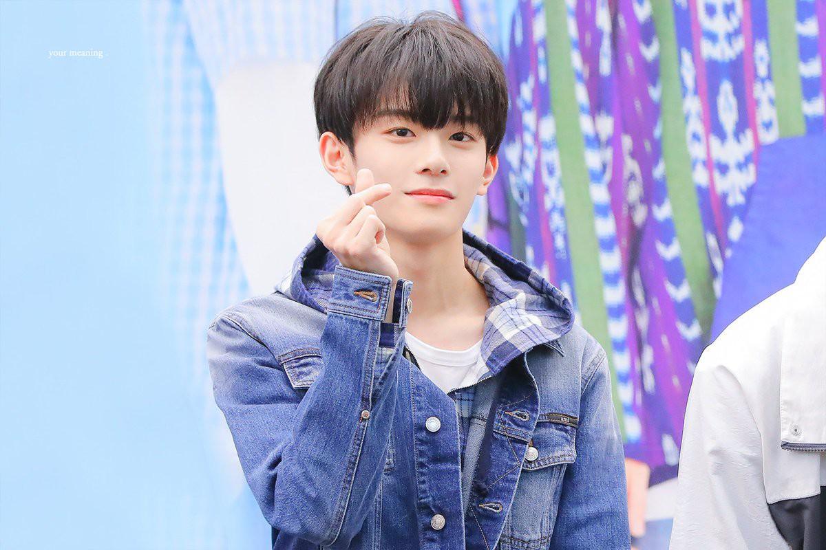 Vừa ra mắt hôm qua, nam idol nổi tiếng sau 1 đêm vì quá đẹp trai nhưng tuổi của anh chàng mới gây hoang mang - Ảnh 5.