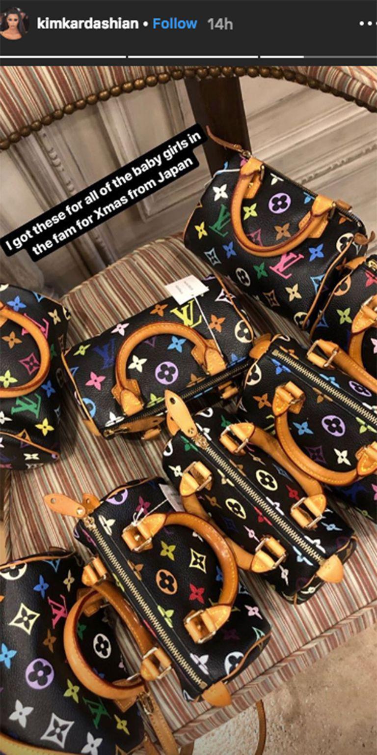 Tâm lý như Kim Kardashian: chi gần 200 triệu VNĐ mua cả rổ túi Louis Vuitton tặng cho các bé gái trong nhà, ai cũng có phần đỡ phải tị nhau - Ảnh 2.