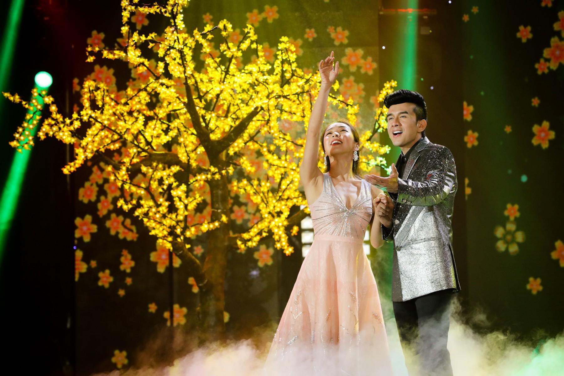 Hồ Ngọc Hà lần đầu trình diễn ca khúc mới, cùng dàn sao Việt đình đám hội ngộ trong chương trình nhạc Xuân 2019 - Ảnh 6.