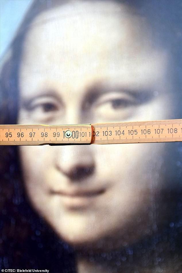 Giải mã bí ẩn Hiệu ứng Nàng Mona Lisa: cứ ngỡ là bức tranh đang nhìn người xem chằm chằm - Ảnh 2.
