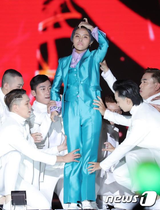 2018 - Tự hào những dấu ấn nhạc Việt được ghi danh trên đấu trường quốc tế - Ảnh 11.