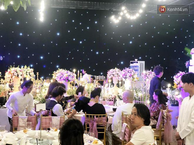 Lâm Khánh Chi tổ chức tiệc kỷ niệm 1 năm đám cưới hoành tráng, tiết lộ tên con trai đầu lòng - Ảnh 4.