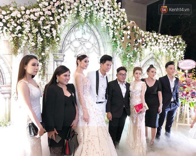 Lâm Khánh Chi tổ chức tiệc kỷ niệm 1 năm đám cưới hoành tráng, tiết lộ tên con trai đầu lòng - Ảnh 3.