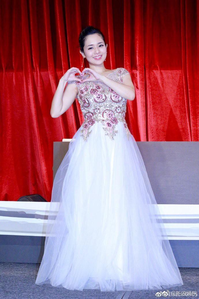 Thánh nữ JAV Aoi Sora khoe tin vui đang mang thai cặp song sinh đầu lòng - Ảnh 4.