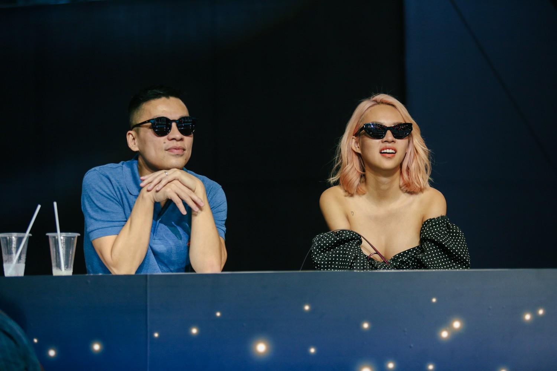2 nhan sắc chuyển giới Hương Giang - Yoshi đọ mặt mộc trong buổi tổng duyệt Chung kết The Tiffany Vietnam - Ảnh 7.