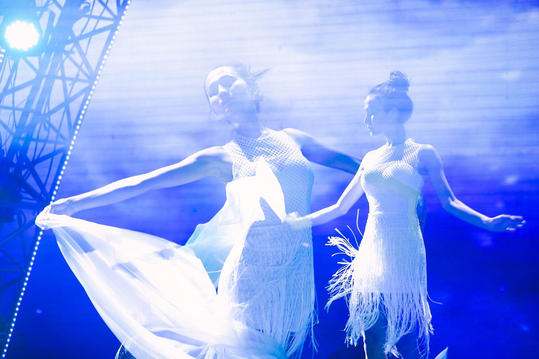 2 nhan sắc chuyển giới Hương Giang - Yoshi đọ mặt mộc trong buổi tổng duyệt Chung kết The Tiffany Vietnam - Ảnh 12.