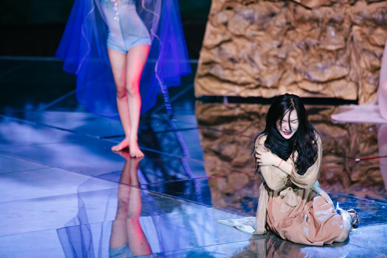 2 nhan sắc chuyển giới Hương Giang - Yoshi đọ mặt mộc trong buổi tổng duyệt Chung kết The Tiffany Vietnam - Ảnh 14.