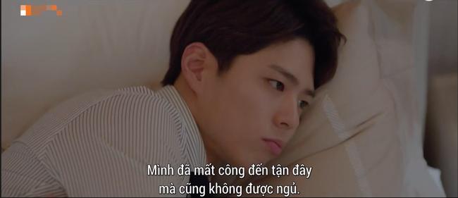 Lần đầu ngủ chung giường với phi công trẻ, Song Hye Kyo đã biểu cảm thế này - Ảnh 7.
