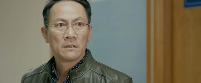 Chạy Trốn Thanh Xuân tập 15: Ông Hoài bị tóm tại trận khi đưa người tình đi phá thai - Ảnh 1.