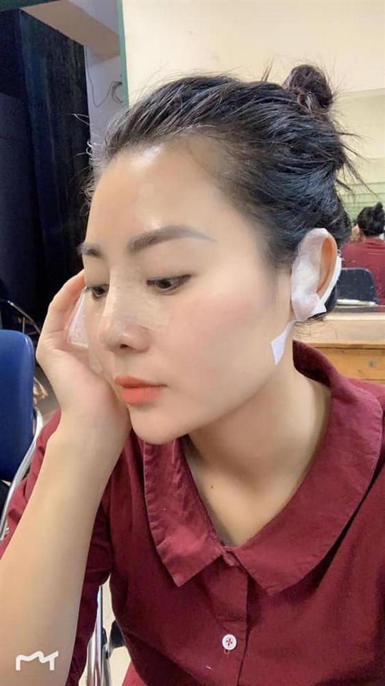 Sau Phương Oanh đến lượt Thanh Hương Quỳnh búp bê bị đồn thẩm mỹ vì gương mặt khác lạ - Ảnh 3.