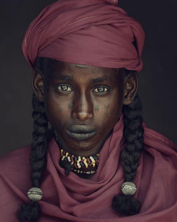 Chùm ảnh khắc họa vẻ đẹp mê hoặc của thổ dân trong các bộ lạc thiểu số vòng quanh thế giới - Ảnh 4.