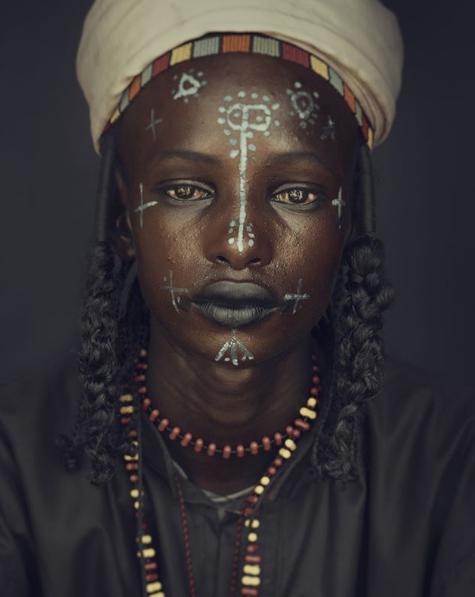 Chùm ảnh khắc họa vẻ đẹp mê hoặc của thổ dân trong các bộ lạc thiểu số vòng quanh thế giới - Ảnh 6.