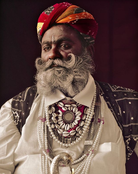 Chùm ảnh khắc họa vẻ đẹp mê hoặc của thổ dân trong các bộ lạc thiểu số vòng quanh thế giới - Ảnh 10.