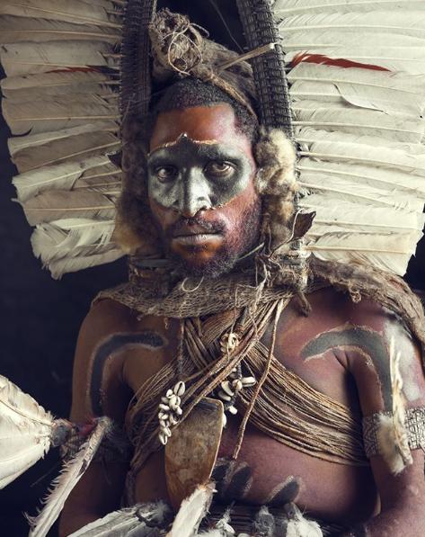 Chùm ảnh khắc họa vẻ đẹp mê hoặc của thổ dân trong các bộ lạc thiểu số vòng quanh thế giới - Ảnh 18.